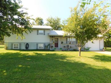 952 Crosstie Road Seymour, MO 65746 - Image 1