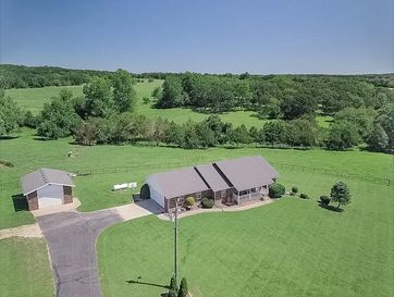 1159 Whispering Oaks Road Marshfield, MO 65706 - Image 1