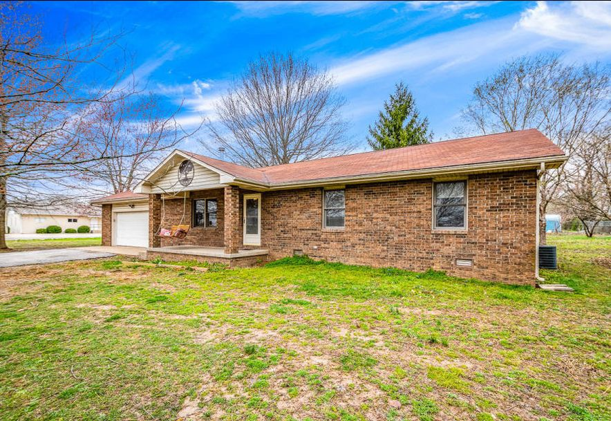 301 East Grant Street Clever, MO 65631 - Photo 2