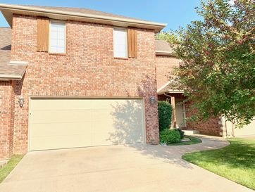 2327 West Chesterfield Street E Springfield, MO 65807 - Image 1