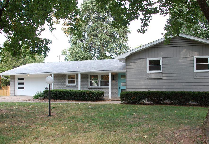 2240 South Patterson Avenue Springfield, MO 65804 - Photo 2