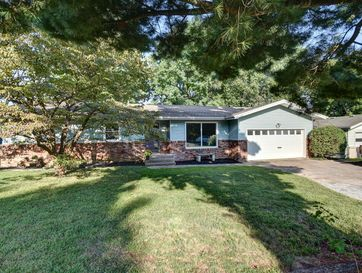 413 North Burton Avenue Springfield, MO 65802 - Image 1