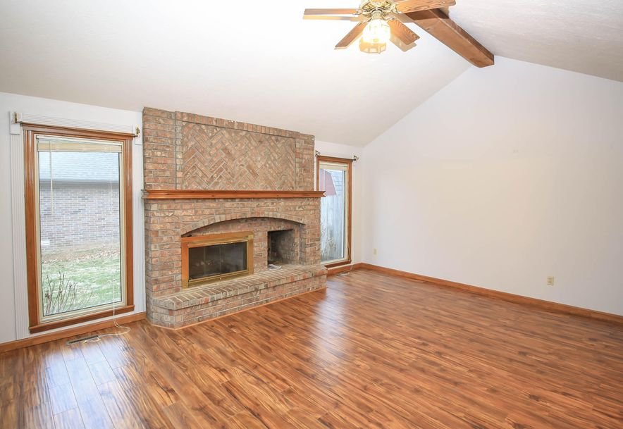 3351 West Driftwood Court Springfield, MO 65807 - Photo 5