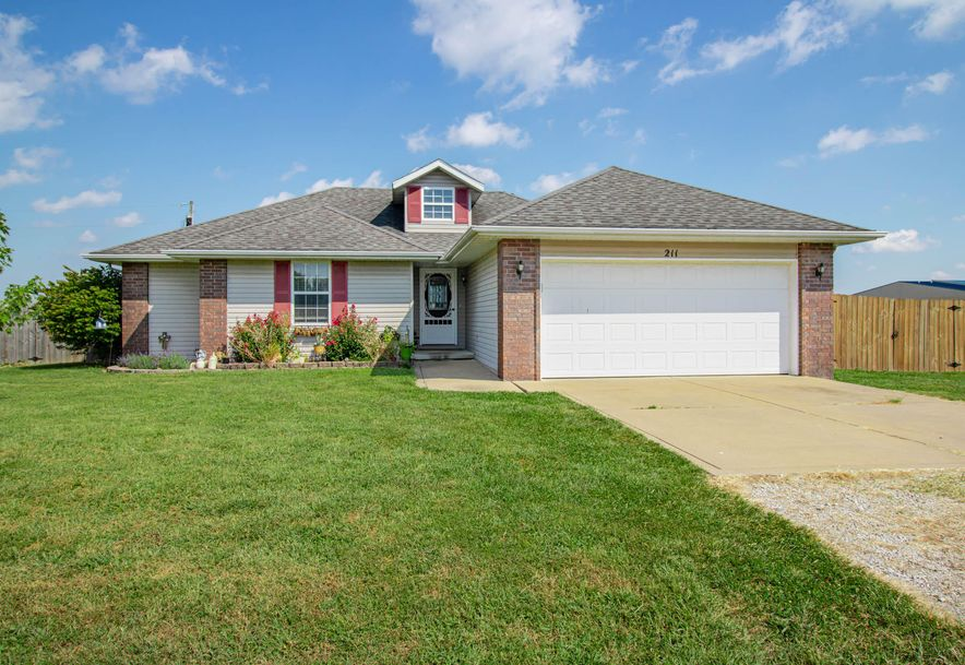211 East Chrysler Avenue Clever, MO 65631 - Photo 1