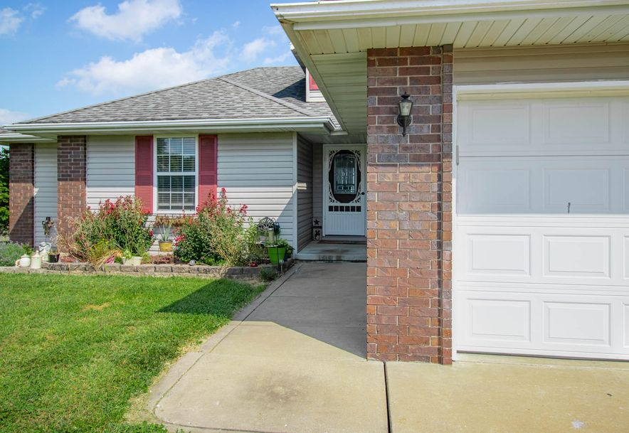 211 East Chrysler Avenue Clever, MO 65631 - Photo 3