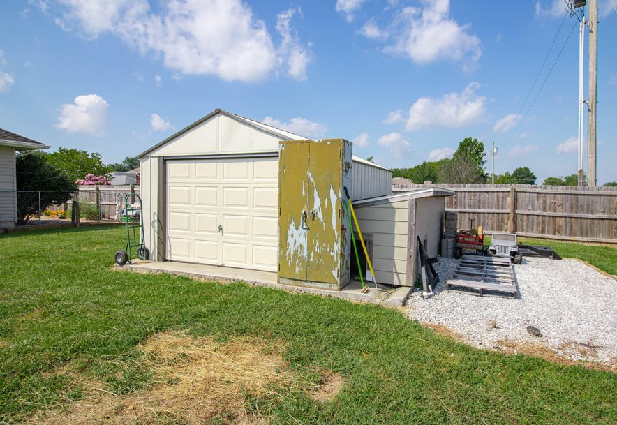 211 East Chrysler Avenue Clever, MO 65631 - Photo 22