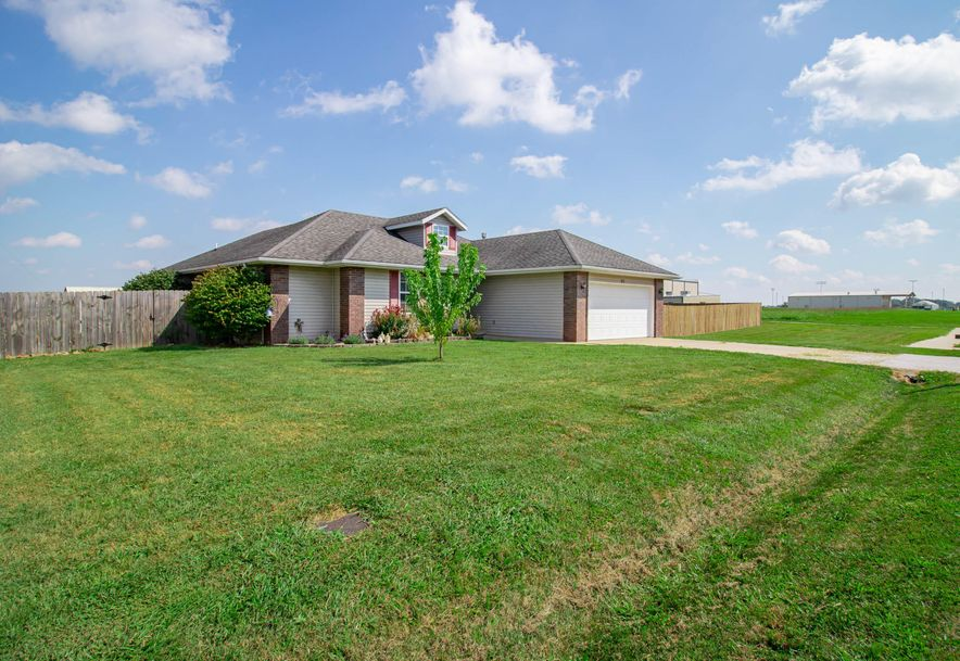 211 East Chrysler Avenue Clever, MO 65631 - Photo 4