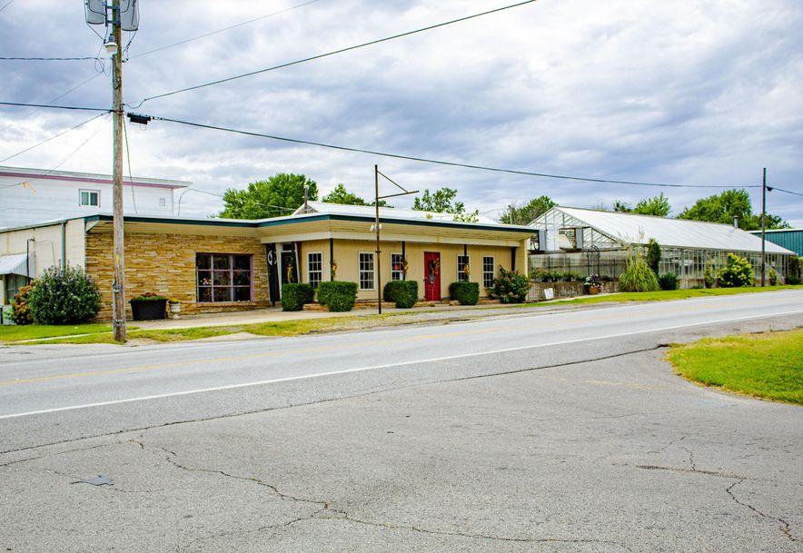 428 East Church Street Aurora, MO 65605 - Photo 1