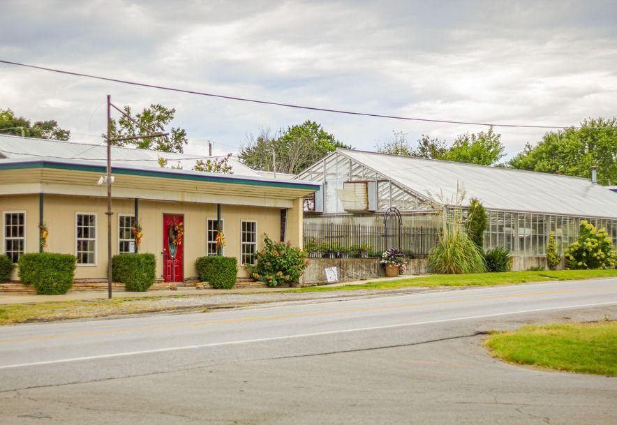 428 East Church Street Aurora, MO 65605 - Photo 2