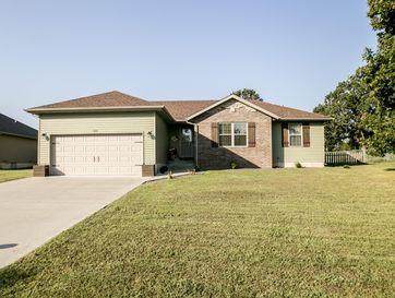 1635 Westbrook Street Marshfield, MO 65706 - Image 1