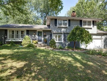 2353 East Cherryvale Street Springfield, MO 65804 - Image 1