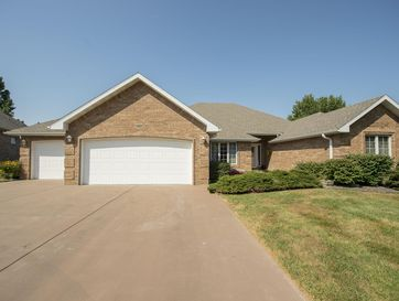 3245 South Ridgewood Court Springfield, MO 65804 - Image 1