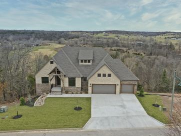 3348 West Bluffview Street Springfield, MO 65810 - Image 1