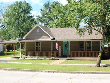 523 South Madison Avenue Aurora, MO 65605 - Image 1