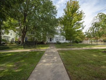Photo of 1001 South Pickwick Avenue