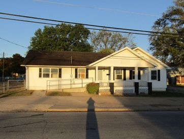 921 South Pike Avenue Bolivar, MO 65613 - Image 1