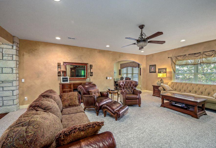 136 Roark Hills Drive Branson, MO 65616 - Photo 3