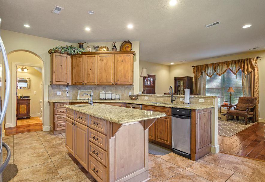 136 Roark Hills Drive Branson, MO 65616 - Photo 8