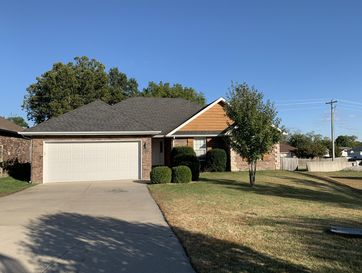 3112 West Melbourne Street Springfield, MO 65810 - Image 1