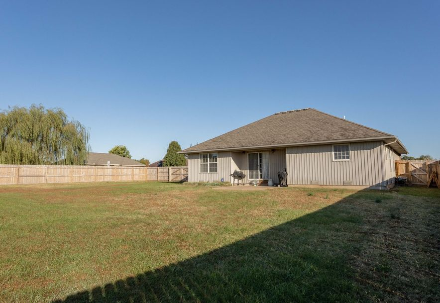 2914 East Jamestown Court Republic, MO 65738 - Photo 28