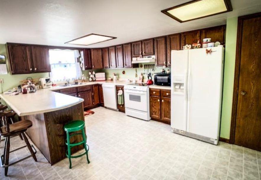 914 West Pleasant Street Aurora, MO 65605 - Photo 10