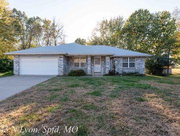 2643 North Lyon Avenue Springfield, MO 65803 - Image 1