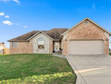 300 Cypress Street Clever, MO 65631 - Image 1
