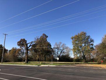 1085 North Oakwood Avenue Republic, MO 65738 - Image