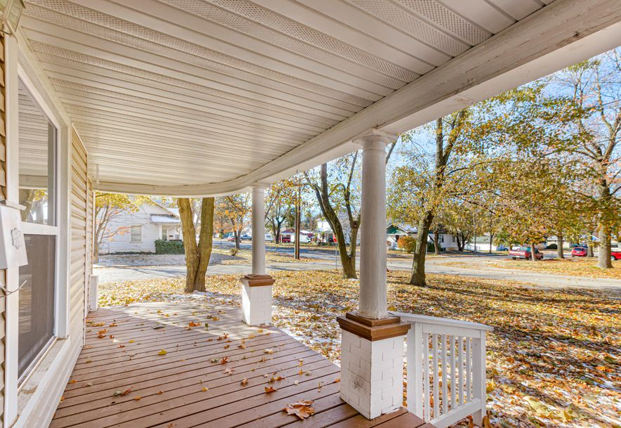 544 South Madison Avenue Aurora, MO 65605 - Photo 4
