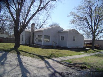 12 West Church Street Aurora, MO 65605 - Image 1