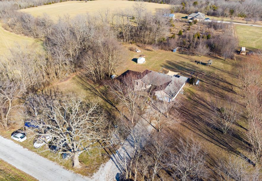 910 Lards Road Clever, MO 65631 - Photo 4