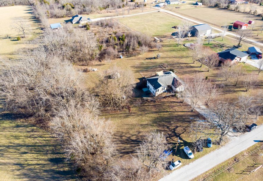 910 Lards Road Clever, MO 65631 - Photo 6