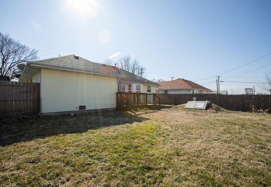 409 West High Street Aurora, MO 65605 - Photo 5