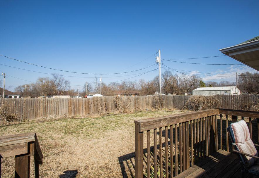 409 West High Street Aurora, MO 65605 - Photo 7