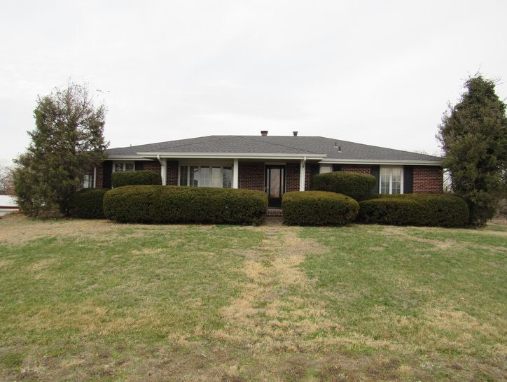 Photo of 3259 West Farm Road 60