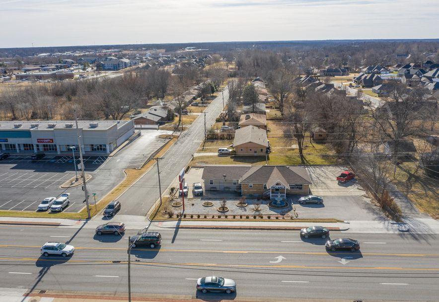 2610 East 32nd Street Joplin, MO 64804 - Photo 2