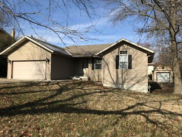 3231 West Wick Street Springfield, MO 65810 - Image 1