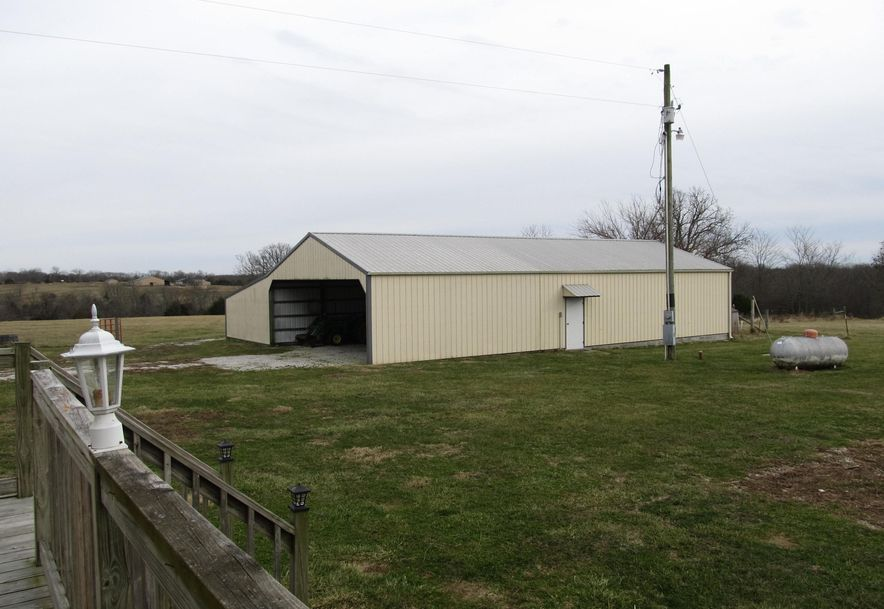 950 Napier Seymour, MO 65746 - Photo 35