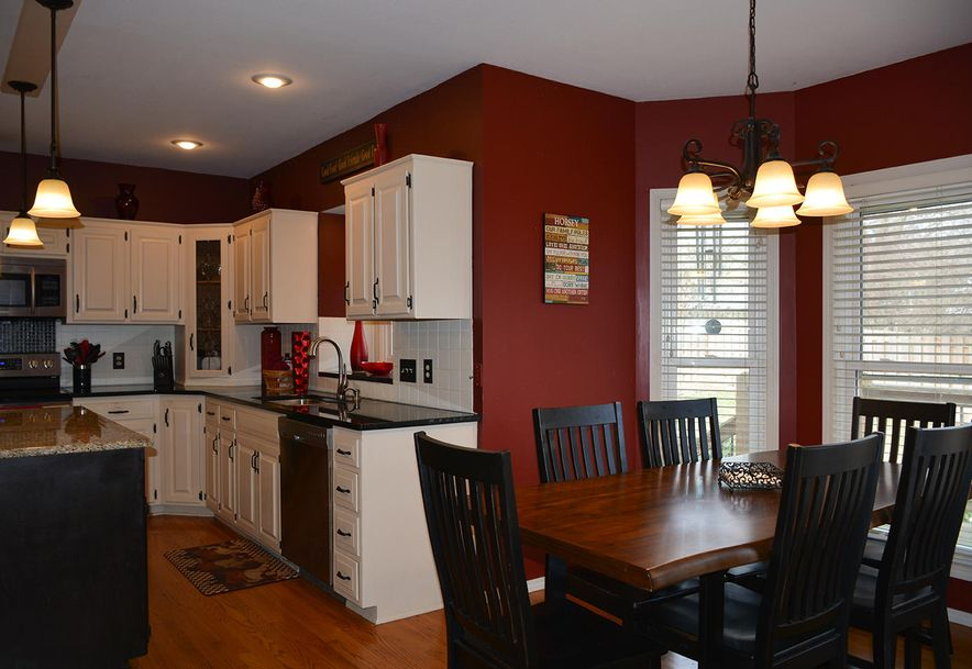 3905 East Linwood Terrace Springfield, MO 65809 - Photo 9