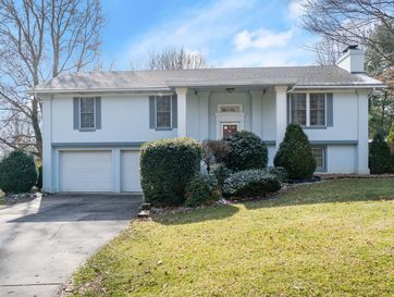 2106 West Murray Drive Springfield, MO 65810 - Image 1