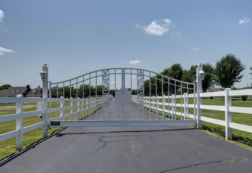4143 North Farm Road 115 Springfield, MO 65803 - Photo 14