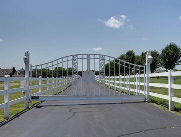 Photo of 4143 North Farm Road 115