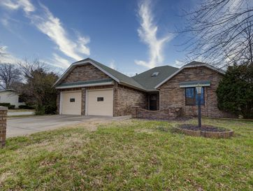 2006 South Lancaster Avenue Springfield, MO 65807 - Image 1