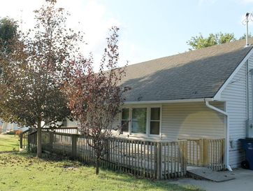 111 East Oak Street Stockton, MO 65785 - Image 1