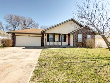 504 South Lulwood Avenue Springfield, MO 65802 - Image 1