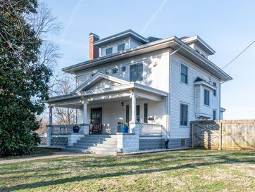 Photo of 1353 South Fremont Avenue