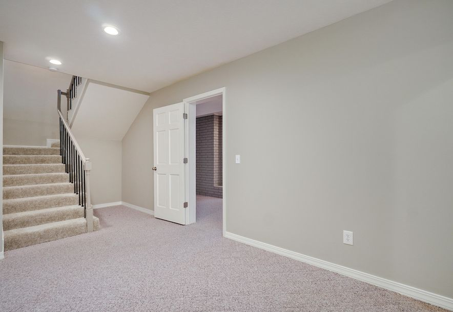 4900 South Bellhurst Avenue Springfield, MO 65804 - Photo 43