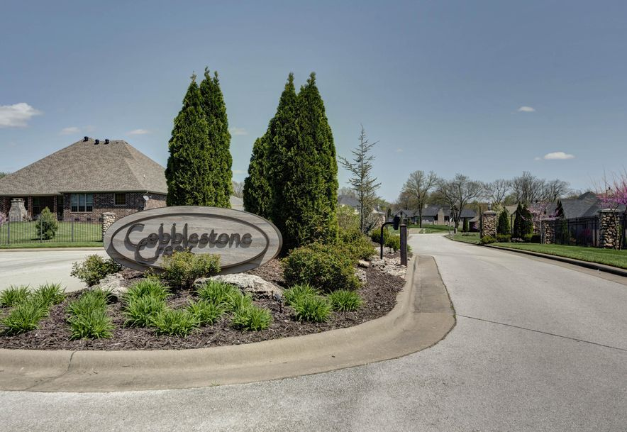 908 South Cobble Creek Court Springfield, MO 65809 - Photo 41