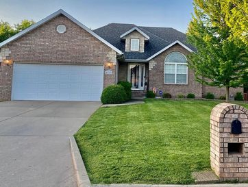 5167 East Hackberry Street Springfield, MO 65809 - Image 1