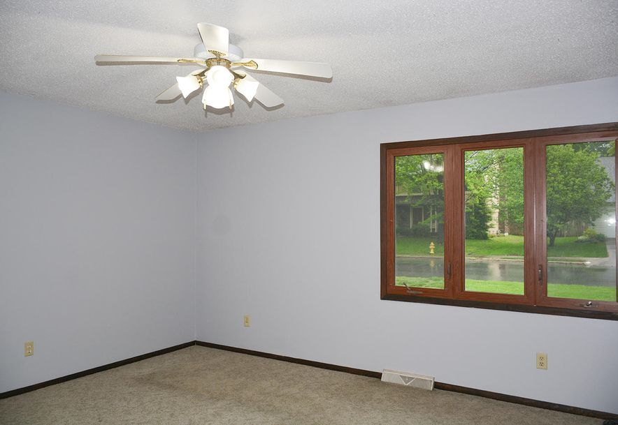 2815 South Claremont Avenue Springfield, MO 65804 - Photo 20